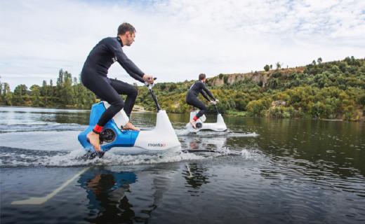 水上骑的电单车来了,户外运动又有好玩的!