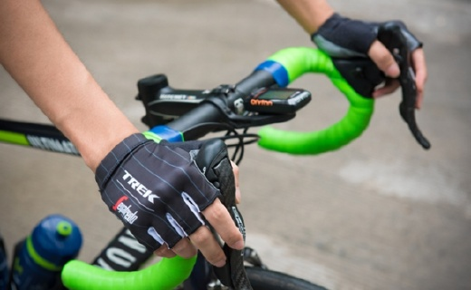 TREK骑行手套,顶级车队的装备减震极佳