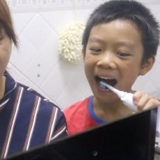 好习惯亲子做,用wellsmile电动牙刷家庭套装一起喜刷刷