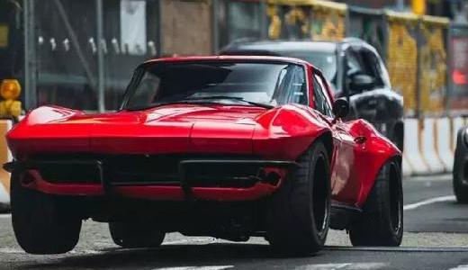 Jada雪佛兰C2模型:国宝级跑车模型,骚红色亮眼吸睛