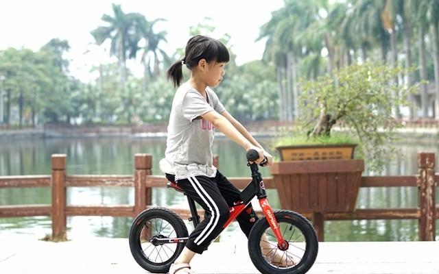 兒童騎行成長好伴侶,MINIPY兒童平衡車體驗