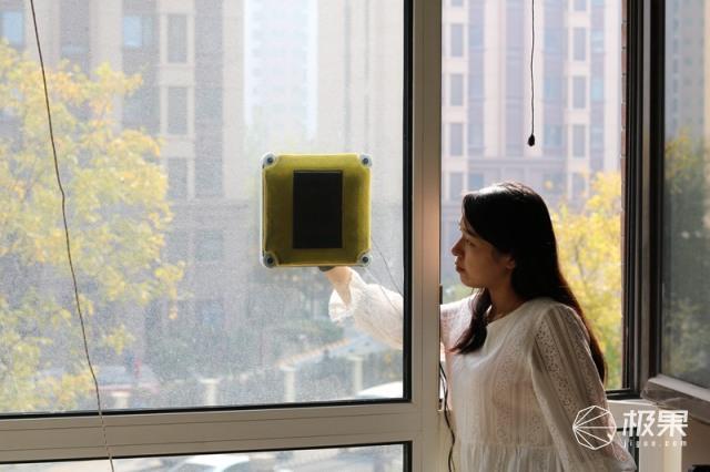 BOBOT高空清洁机器人评测,高层擦窗不再难,一键搞定擦玻璃