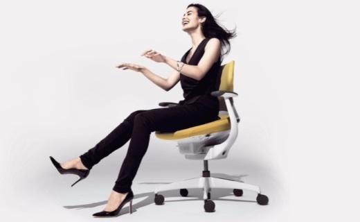脑残克星!日本奇葩椅坐着能运动还能帮助思考
