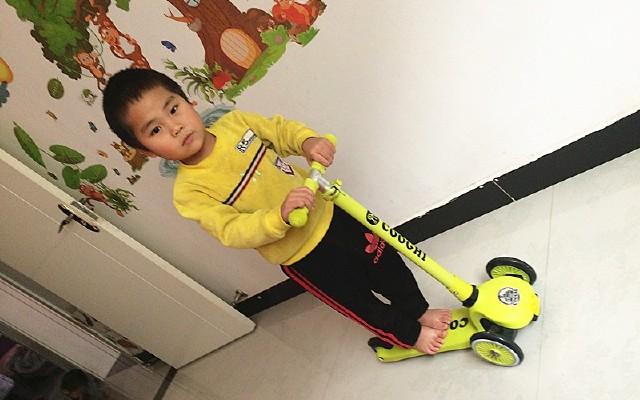 選酷騎滑板車,還孩子快樂童年!