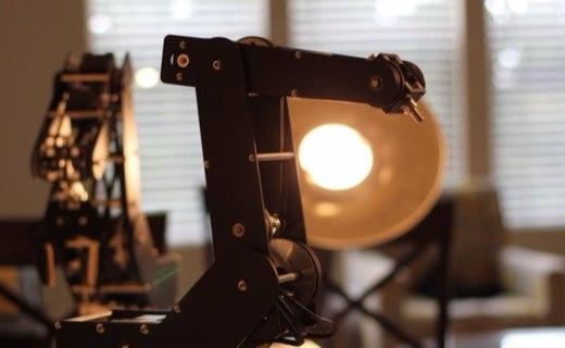 极客的新玩具,性能强大又方便编程的机械臂