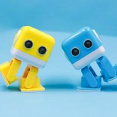 外形超萌不撞脸,拖拽编程易操控,小方故事机器人评测