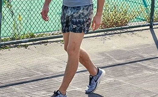 Maxi-Cosi印花短裤:时尚印花简约百搭,吸湿排汗清凉一夏