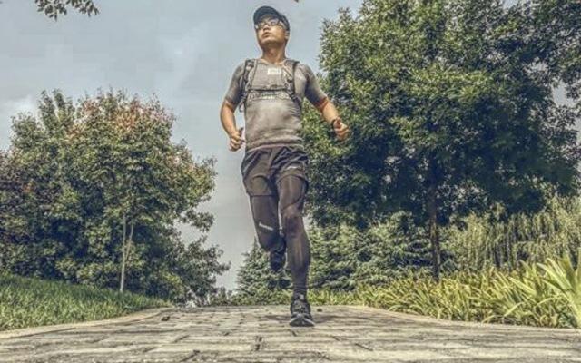上脚舒适抓地力强,国产跑鞋也不输国外大牌 — 必迈 42K运动跑鞋体验 | 视频