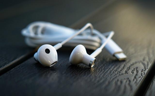Type-C接口,大势所趋!小米双单元半入耳式耳机简评
