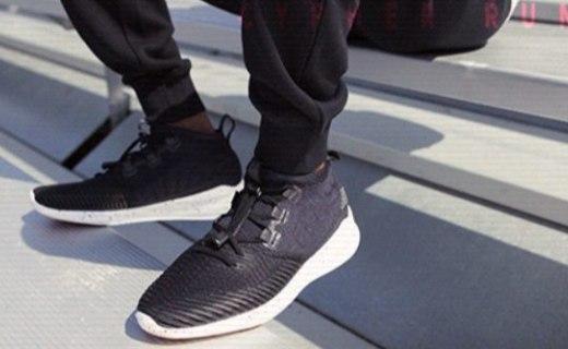 当运动邂逅时尚,传统跑鞋也能颠覆潮流