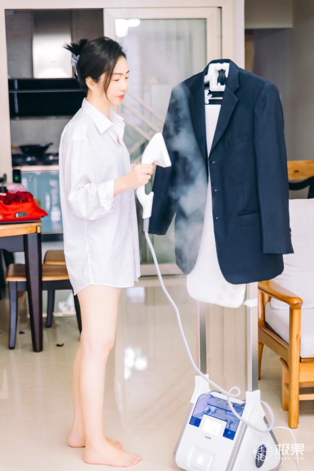 三分钟完成熨烫,让衣物随时保持整洁,卓力增压智能挂烫机体验