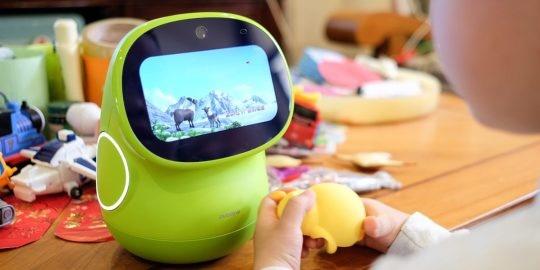 AI互动 英语教学,请个24小时外教教孩子英语 — 布丁豆豆 智能机器人 慧读版测评