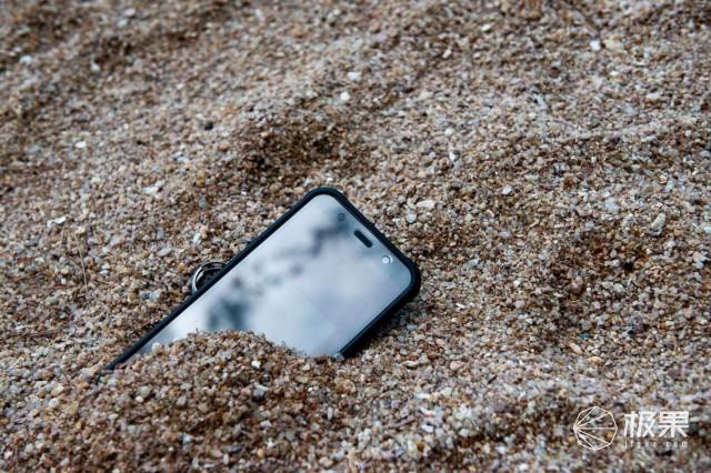 AGMX3三防手机评测,可以上天入地又下海的手机