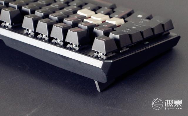 游戏打字两相宜,原厂樱桃红轴-微星机械键盘测评