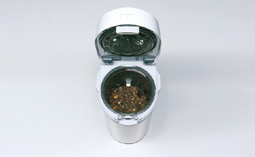 在日本倒垃圾都犯法?!被逼疯的群众造了个黑科技垃圾桶