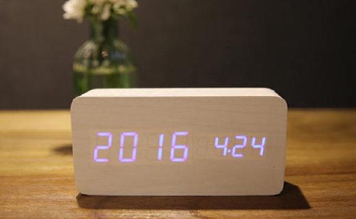 海伦倍尔LED木头闹钟:智能声控使用方便,附带温度显示多闹铃设计