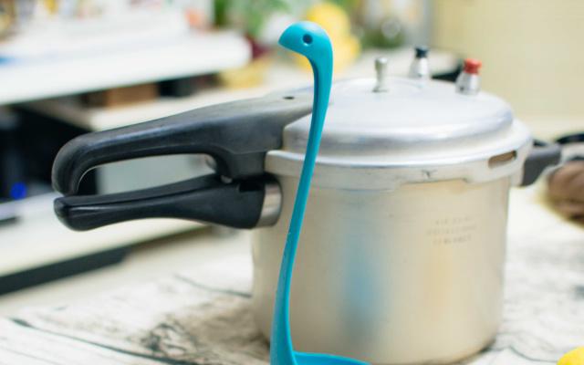 厨房好物!呆萌又实用,尼斯湖水怪汤勺体验 | 视频