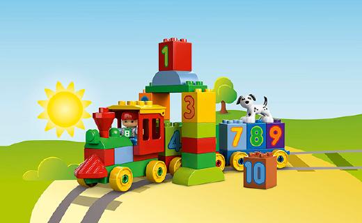 这个用乐高做成的积木火车,看似简单却能锻炼逻辑思维能力