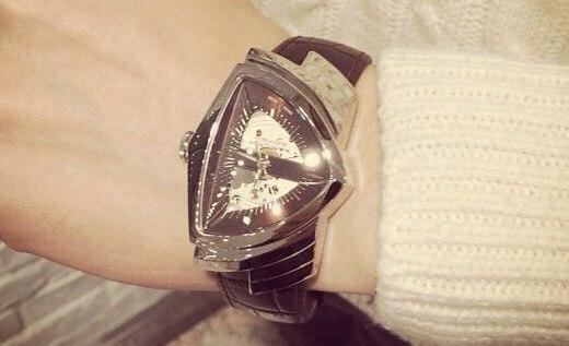 汉米尔顿居然把手表做成了三角形,网友们表示戴上就能飞