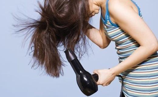 博朗HD785电吹风:智能负离子技术,头发顺滑不打结