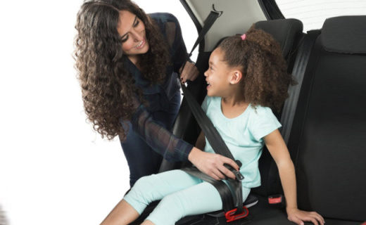 Mifold儿童座椅增高垫:轻松便携三位防护,抛弃笨重的儿童座椅
