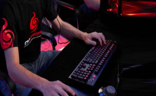 Cooler Master机械键盘:樱桃原厂茶轴,全键位设计入门之选