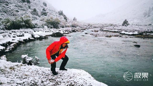 从高海拔重装体验黑冰羽绒服角度来看看如何选择适合自己的羽绒服