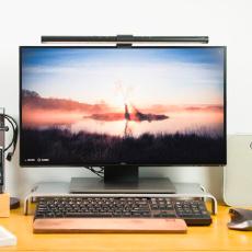 明基屏幕挂灯体验,自动调节亮度,助你缓解眼疲劳