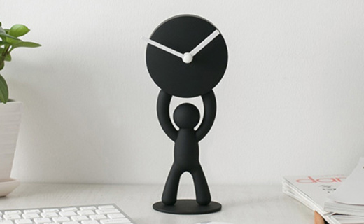 Umbra卡通人台式钟表:憨态可掬的造型,让平淡桌面变得有趣