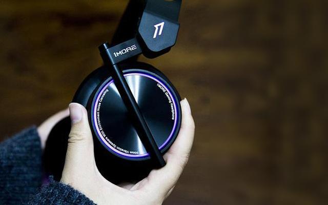 周杰伦同款,电竞耳机中的颜值派 — 1MORE 电竞耳机上手测评