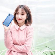 """新年手机要""""新"""",推荐黑瞳全视屏三星Galaxy A8s"""