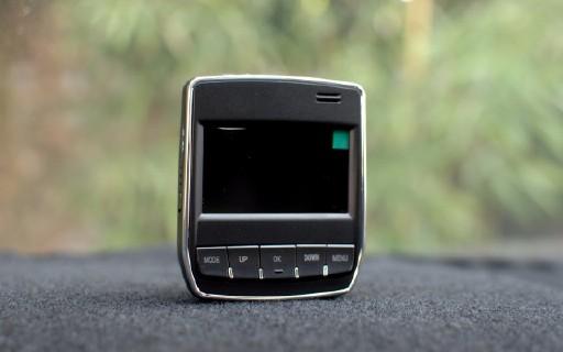 """严防""""碰瓷狗"""",这行车记录仪让你再也不怕被演 — 智胜行车记录仪评测"""