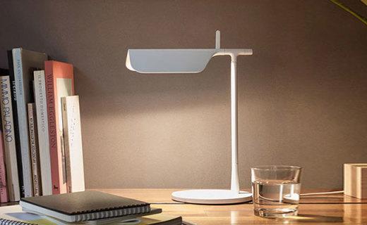 FLOS台灯:精选铝制外壳,极简设计极具美感