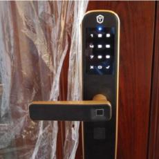 智能开锁改变生活,随时关注门锁状态,金刚鹦鹉T2微信指纹锁体验