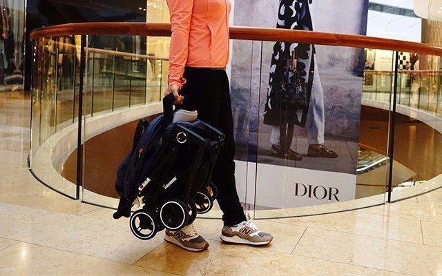 能带上飞机的婴儿车,可折叠单手就能提起来 —  荟智 胶囊婴儿推车体验