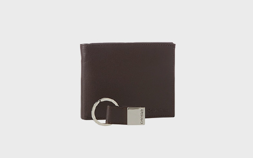 CK男士两折钱包:真皮材质耐磨耐用,多隔层大钞位很实用
