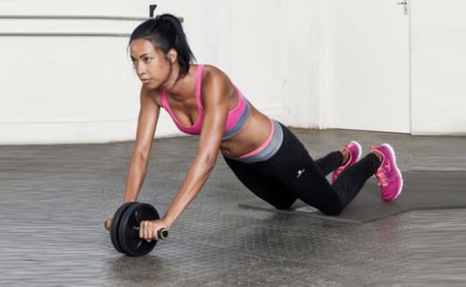 迪卡侬健腹轮:无噪音滚轮滑顺更舒适,辅助锻炼全身肌肉