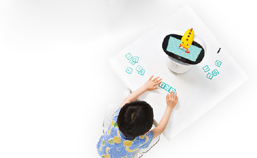 360AR儿童智能机器人:卖萌早教讲故事,陪娃成长不孤单
