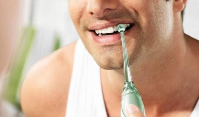 喷喷更干净,用起来上瘾的洁牙器-飞利浦 AirFloss