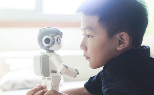 """让""""有生命的""""悟空陪我家小孩成长,kimi与悟空机器人"""
