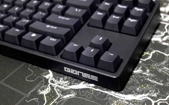 制霸外设市场的原厂双模机械键盘 — GANSS 高斯 GS87D 机械键盘体验 | 视频