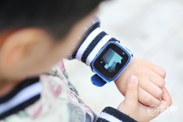 """首款""""双摄""""儿童手表,解锁创新玩法,阿巴町T2体验"""