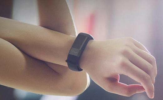 能预测疾病的小米新手环,双芯片全天心率监测