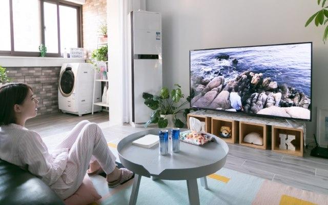 用4K智能语音电视回顾旅拍大片,分分钟想和投影仪说再见