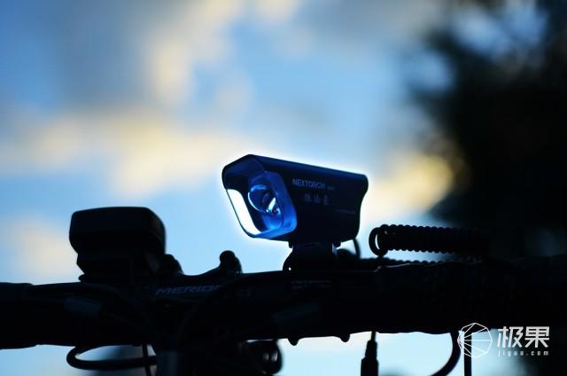 矩形光斑长续航,警闪线控易调光,NEXTORCH纳丽德B20体验
