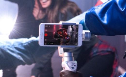 大疆ZM01手持稳定器:多种智能拍摄模式,让你媲美专业摄影师
