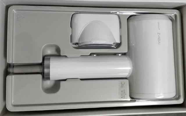 白色外观颜值高,风量合适超实用:直白负离子吹风机体验