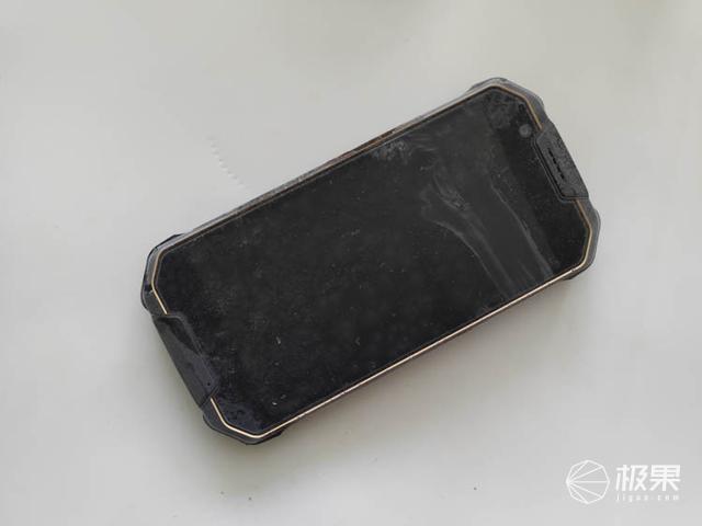 MANN8S三防手机体验,冷冻室里冻了一宿后的结局真想不到?!