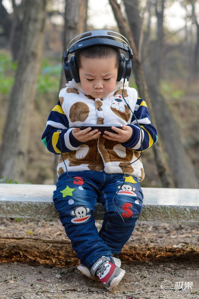 难怪吃不到鸡,原来装备没选对:1MORE电竞头戴耳机体验