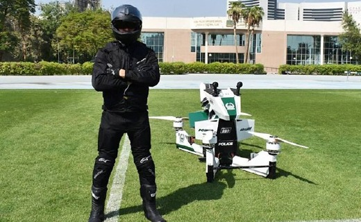 迪拜警方新座驾曝光,能上天的摩托一言不合就起飞